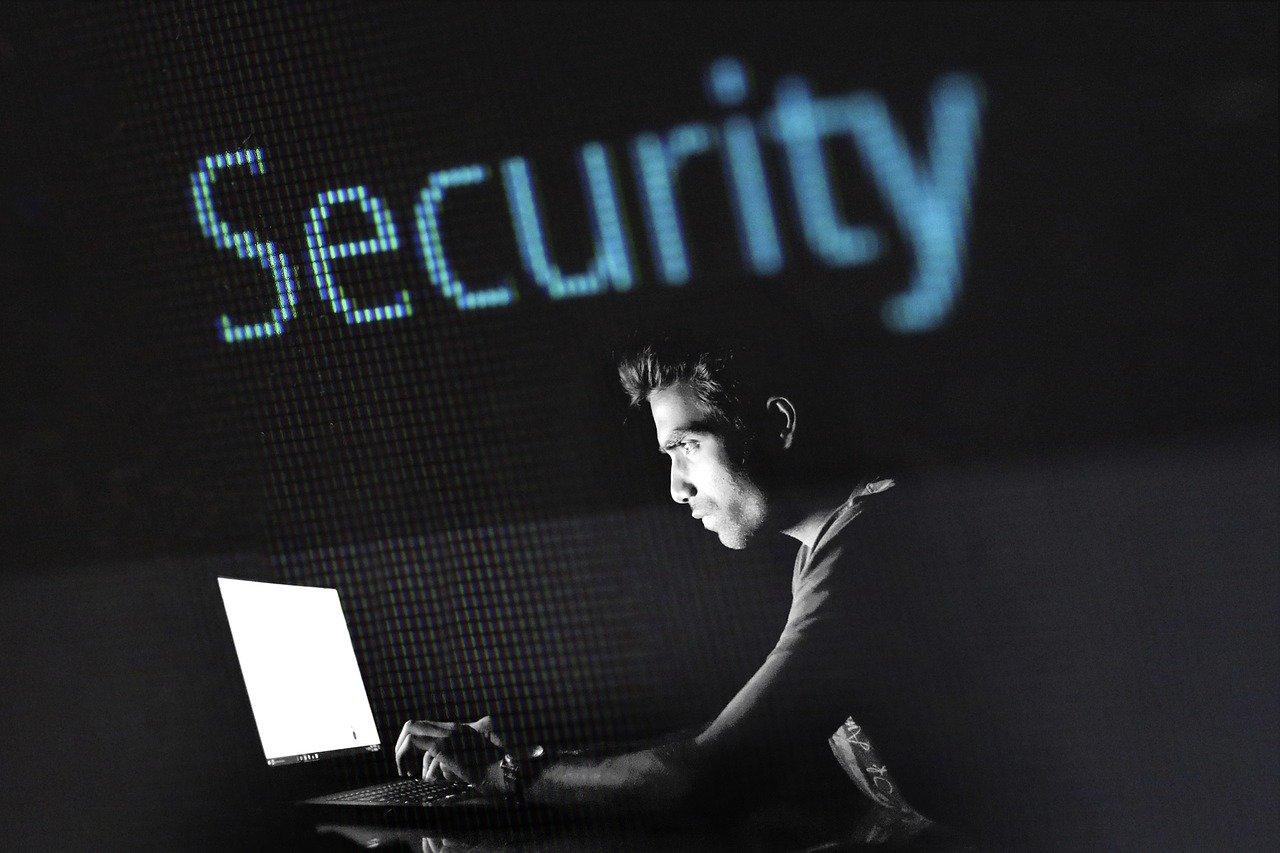 hacking-2964100_1280.jpg